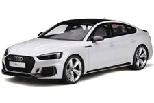 Audi RS5 com fundo branco