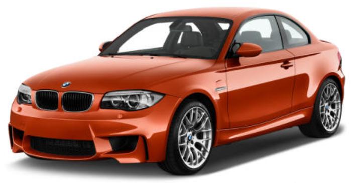 BMW M1 com fundo branco