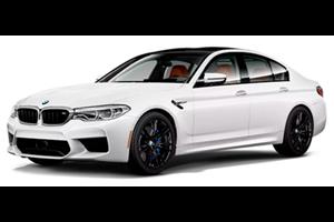 BMW M5 com fundo branco