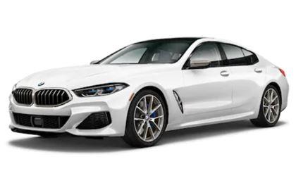 BMW Série 8 com fundo branco