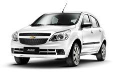 Chevrolet Agile com fundo branco