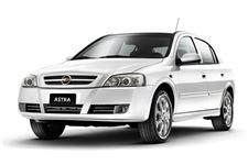 Chevrolet Astra com fundo branco