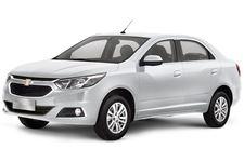Chevrolet Cobalt com fundo branco