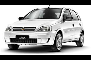 Chevrolet Corsa com fundo branco