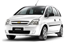 Chevrolet Meriva com fundo branco