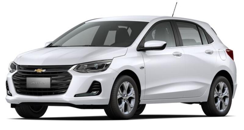 Chevrolet Onix com fundo branco