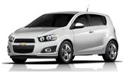 Chevrolet Sonic com fundo branco