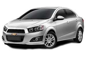 Chevrolet Sonic Sedan com fundo branco