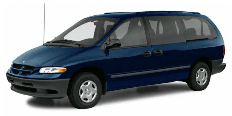 Chrysler Grand Caravan com fundo branco