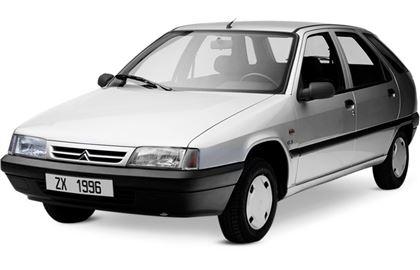Citroën ZX com fundo branco
