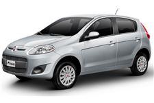 Fiat Palio com fundo branco