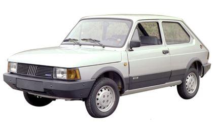 Fiat Spazio com fundo branco