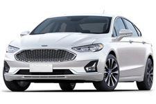 Ford Fusion com fundo branco