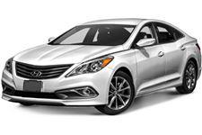 Hyundai Azera com fundo branco