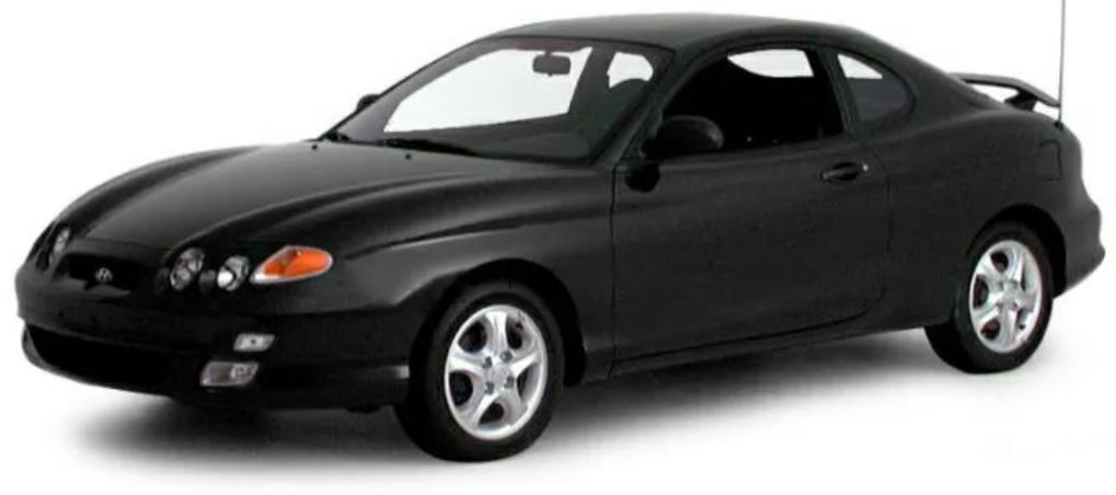Hyundai Coupe com fundo branco