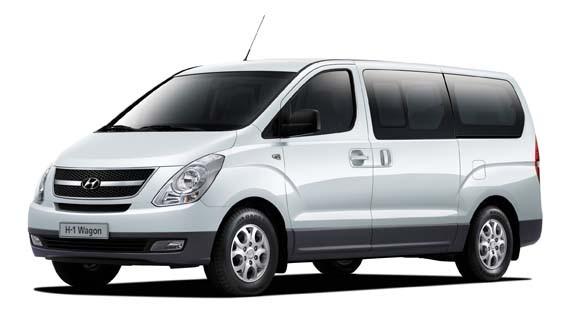 Hyundai H1 com fundo branco