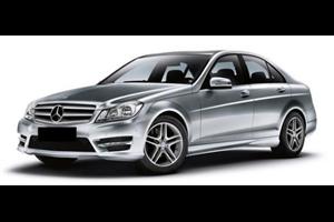 Mercedes-Benz Classe C com fundo branco