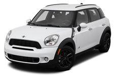 Mini Cooper com fundo branco