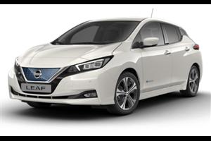 Nissan Leaf com fundo branco