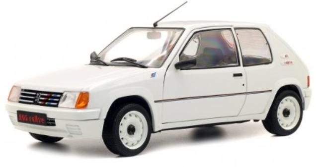Peugeot 205 com fundo branco