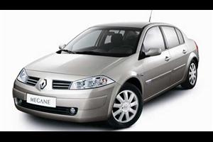 Renault Megane com fundo branco