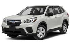 Subaru Forester com fundo branco