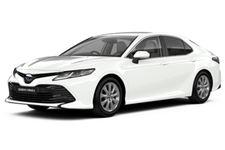 Toyota Camry com fundo branco