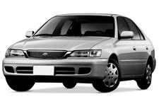 Toyota Corona com fundo branco