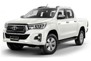 Toyota Hilux com fundo branco