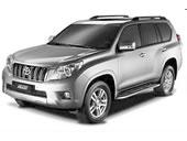 Toyota Land Cruiser com fundo branco