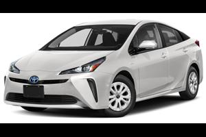 Toyota Prius com fundo branco