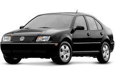 Volkswagen Bora com fundo branco