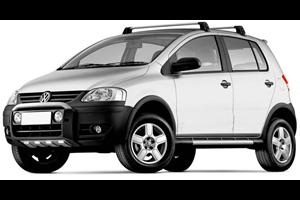 Volkswagen CrossFox com fundo branco