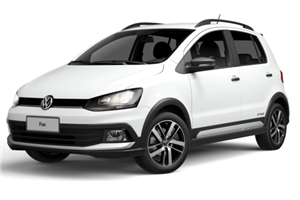 Volkswagen Fox com fundo branco