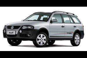 Volkswagen Parati com fundo branco